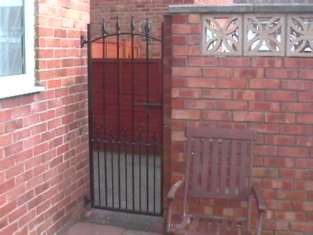 Small side gates